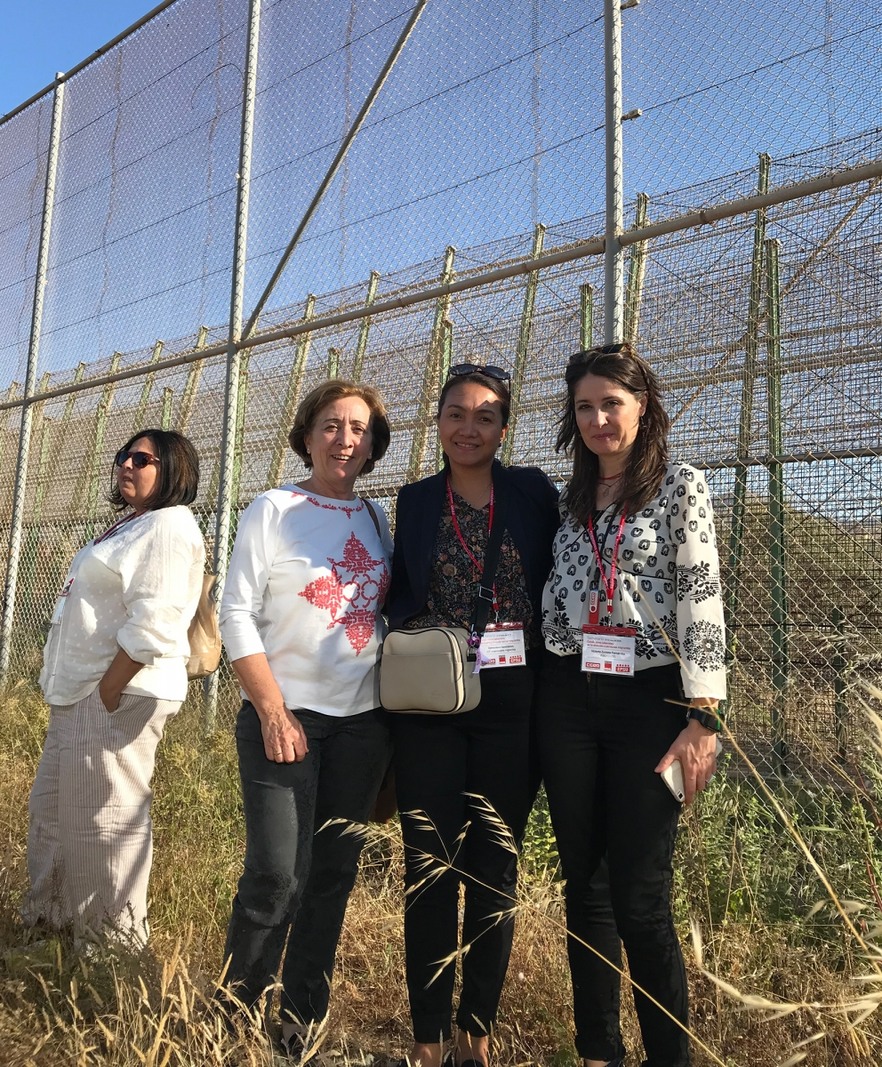 Genevieve Gencianos (PSI) with colleagues from Comisiones Obreras (CC.OO) in the visit to the border Wall of Melilla.