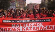 Dismissed Turkish health workers demonstrating