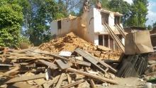 Des maisons en ruines au  Nepal