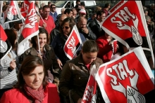 STAL union members demonstrating