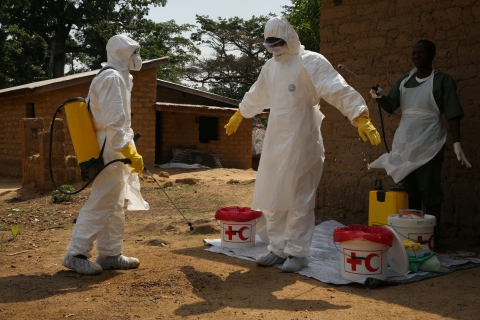 Health workers fighting Ebola in Guinea (Photo: European Commission)
