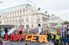 Photo: TTIP and CETA demonstrations in September, Vienna, Austria. Photo: Christoph Liebentritt/Global 2000 – Creative Commons.