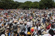 Huge anti-nuclear demonstration in Japan