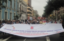 PSI affiliates in Lima, Peru mobilising on World Public Services Day, 23 June 2011